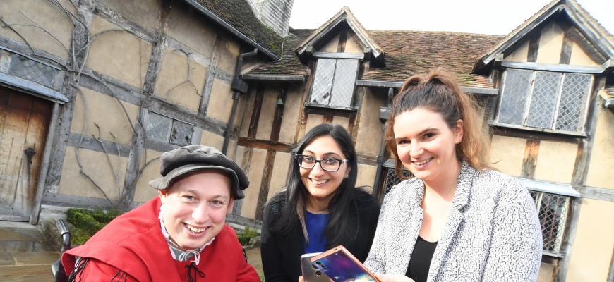 Neil Hancock (Shakespeare Aloud), Anja Chouhan (Lecturer, Shakespeare Studies BBT) and Anneka Nicholls (Shakespeare's England).
