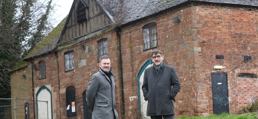 Glynn Purnell (left) with Ian Harrabin from the Historic Coventry Trust at the Charterhouse in Coventry
