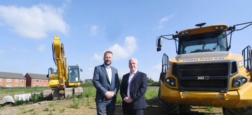 left to right – Mark Edwards (AC Lloyd) and Martin Gallagher (Deeley Construction).