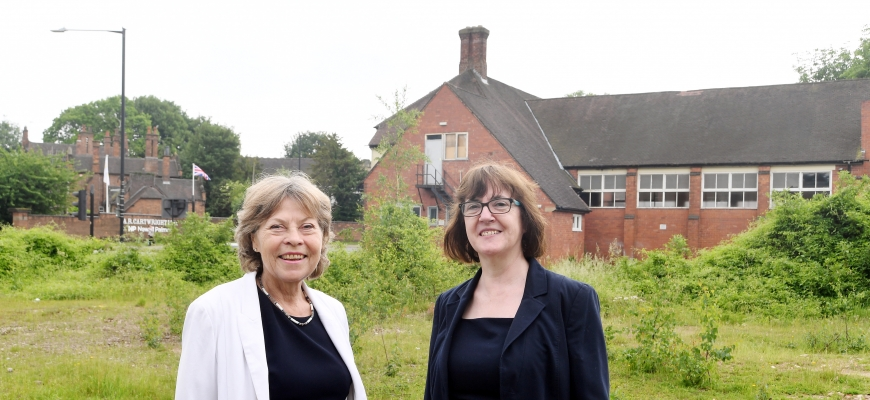Izzi Seccombe (left) and Julie Jackson on site in Nuneaton